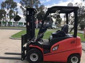 XF Series Duel Fuel 2.5 TON HANGCHA FORKLIFT - picture0' - Click to enlarge