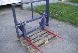 Nell ROUND BALE FORKS