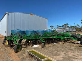 2013 John Deere 1870 ConservaPak Air Drills - picture1' - Click to enlarge