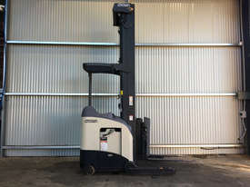Crown RD Series Reach Forklift Forklift - picture0' - Click to enlarge