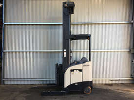 Crown RD Series Reach Forklift Forklift - picture1' - Click to enlarge