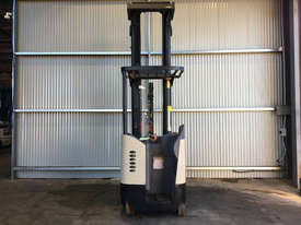 Crown RD Series Reach Forklift Forklift - picture2' - Click to enlarge