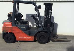 Toyota 2.5 Ton LPG forklift in good condition