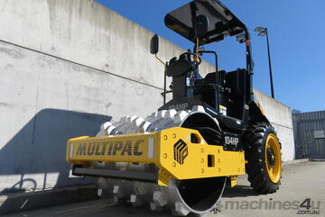 Multipac   4Tonne Padfoot Roller