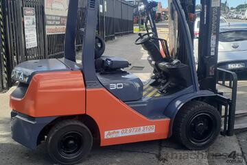 2016 Toyota Forklift 3 Ton Diesel Forklift 4m Lift height solid tyres side shift 3 mth warranty
