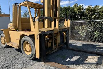 Forklift 10t caterpillar container lifting