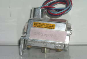 Barksdale Controls VCD1H-H18 Pressure Switch.
