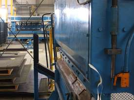 Press Brake  - picture4' - Click to enlarge