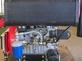 20HP Twin cylinder diesel engine horizontal shaft - picture2' - Click to enlarge