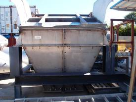 Powder Hopper. - picture0' - Click to enlarge