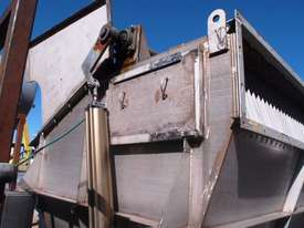 Powder Hopper. - picture2' - Click to enlarge