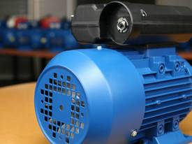 1.1kw/1.5HP 2800rpm single-phase electric motor  - picture3' - Click to enlarge