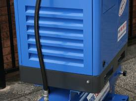 5.5hp / 4kW Tank Mounted Screw Air Compressor - picture3' - Click to enlarge