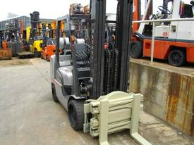 Hire forklift with rotator - picture1' - Click to enlarge