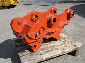 Hydraulic Quick Hitch Suits 4 Ton Kubota KX121 Excavators PP238  - picture0' - Click to enlarge