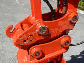 Hydraulic Quick Hitch Suits 4 Ton Kubota KX121 Excavators PP238  - picture2' - Click to enlarge