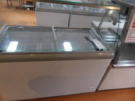9 Basket Ice-Cream Display Freezer - picture0' - Click to enlarge