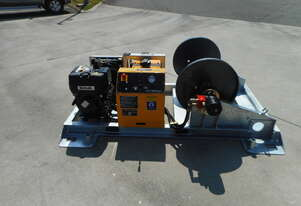 REDMOND GARY - 10kN Skid-mount Recovery Winch including Automatic Fairlead