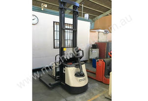 Crown   4020TL  walkie stacker
