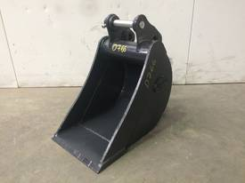 UNUSED 300MM SAND BUCKET SUIT 1-2T EXCAVATOR D766 - picture0' - Click to enlarge