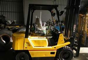 TCM FD2521 Diesel Counterbalance Forklift
