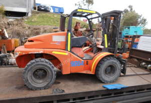4,000kg , 3 stage side shift , tyne adjuster , 2009 , 4WD