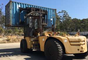 CLARK CONTAINER FORLIFTS 24TON AND 13 TON