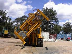Caterpillar V300B forklift - picture10' - Click to enlarge