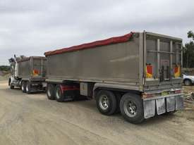 2010 Western Star 4800FX 6x4 Tipper Truck & 2010 7.8 M Lusty EMS Quad Dog Tipping Trailer - picture8' - Click to enlarge