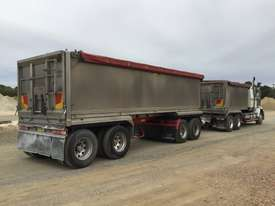 2010 Western Star 4800FX 6x4 Tipper Truck & 2010 7.8 M Lusty EMS Quad Dog Tipping Trailer - picture10' - Click to enlarge
