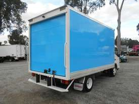 Mitsubishi Canter Hybrid Pantech Truck - picture7' - Click to enlarge