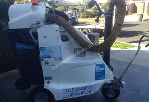 Commercial vacuum cleaner electric driven litter collector