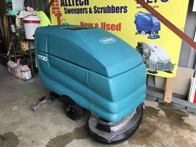 Tennant 5700 industrial scrubber great and ready to go! - picture3' - Click to enlarge