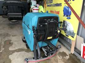 Tennant 5700 industrial scrubber great and ready to go! - picture5' - Click to enlarge