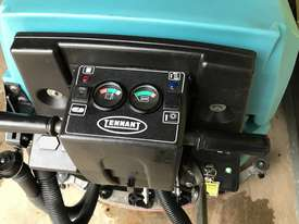 Tennant 5700 industrial scrubber great and ready to go! - picture6' - Click to enlarge