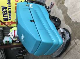 Tennant 5700 industrial scrubber great and ready to go! - picture9' - Click to enlarge
