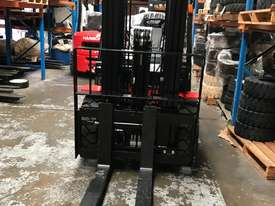 HC Brand New Forklift Diesel 3Ton Container Entry Mast $23550+ gst - picture3' - Click to enlarge