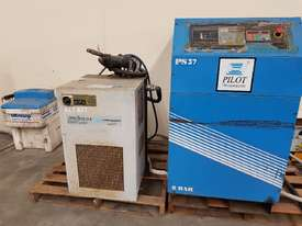 INGERSOLL RAND 2016 Screw Compressor 22Kw In-Built Dryer/Tank UNDER 100 HOURS USE. AIR DRYERS/TANKS - picture6' - Click to enlarge