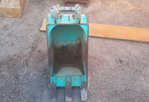 Custom 380mm trenching bucket 3 teeth Bucket-GP Attachments