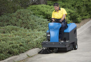 Conquest Equipment RIDE-ON POWER SWEEPER