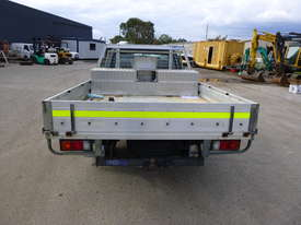 2005 Mazda B2600 4x2 Single Cab Tray Back Utility - In Auction - picture5' - Click to enlarge