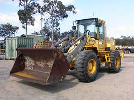 Volvo L90B tool carrier/loader - picture0' - Click to enlarge