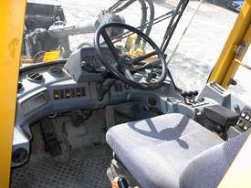 Volvo L90B tool carrier/loader - picture12' - Click to enlarge