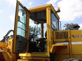 Volvo L90B tool carrier/loader - picture16' - Click to enlarge