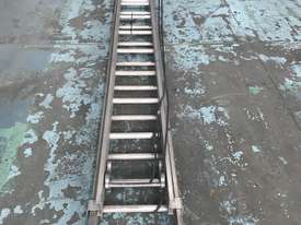 Mote Aluminum Extension Ladder 5.60 to 9.90 Meters Industrial Quality - picture0' - Click to enlarge