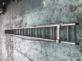Mote Aluminum Extension Ladder 5.60 to 9.90 Meters Industrial Quality - picture4' - Click to enlarge