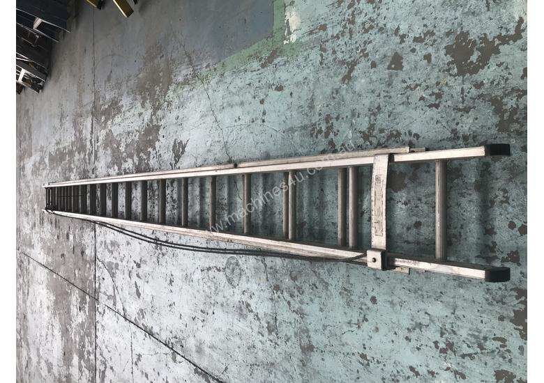 Mote Aluminum Extension Ladder 5.60 to 9.90 Meters Industrial Quality