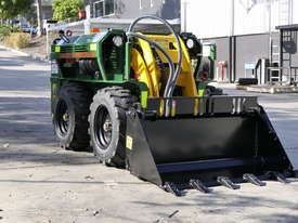 KANGA WR825 WHEEL REMOTE CONTROL SKID STEER LOADER - picture8' - Click to enlarge