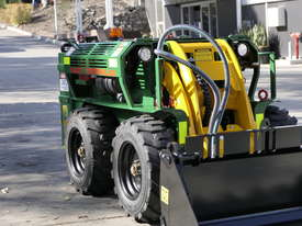 KANGA WR825 WHEEL REMOTE CONTROL SKID STEER LOADER - picture9' - Click to enlarge