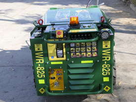 KANGA WR825 WHEEL REMOTE CONTROL SKID STEER LOADER - picture10' - Click to enlarge